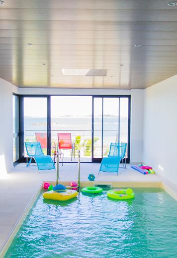 La piscine avec terrasse
